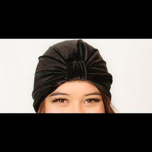 8d7a02b7321 kristin perry Accessories - Stretch velvet black turban
